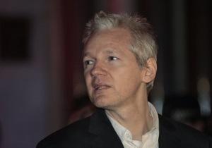 В интернете опубликовали любовные письма основателя WikiLeaks
