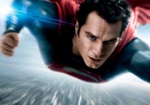 Новый супермен взлетел на вершину американского проката