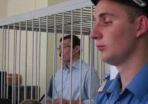 Луценко утверждает, что Кузьмин дал указание следить за его родными и друзьями