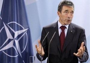 Генсек НАТО принял предложение посетить Украину