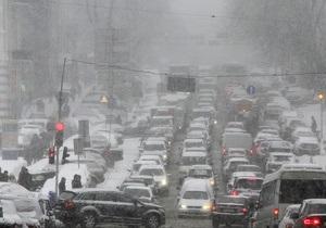 Минздрав: Непогода в Киеве оказанию экстренной медпомощи не помешала