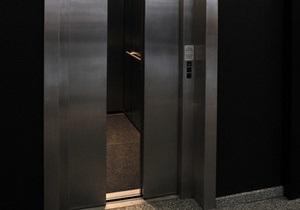 В Испании женщина провела в застрявшем лифте восемь дней