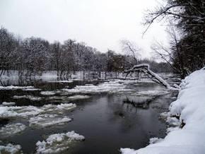В Хмельницкой области под лед провалились пять рыбаков