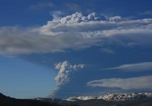 Европейское небо очистится от пепла исландского вулкана к утру воскресенья