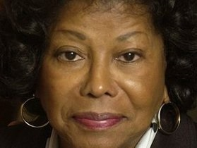 СМИ: В США пропала мать Майкла Джексона