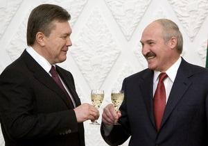 Янукович поздравил Лукашенко с победой на выборах
