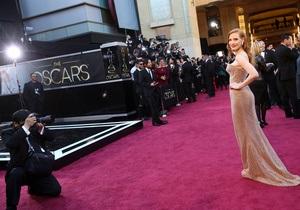 Критики назвали лучшее платье церемонии Оскар 2013