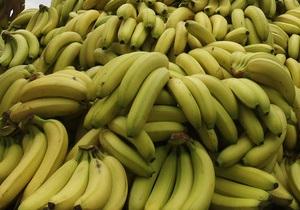 Журналистов Би-би-си попросили не есть бананы на рабочем месте