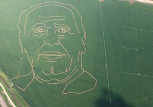 Израиль - гигантский портрет Шимона Переса