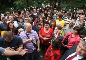 Первый замминистра призвал собравшихся у врадиевского РОВД разойтись по домам
