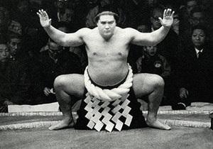 В Японии скончался легендарный сумоист украинского происхождения