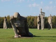 Латвийские проститутки облюбовали для работы памятник жертвам нацизма