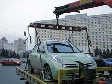 В Киеве прекращена работа эвакуаторов