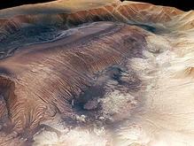 Ученые впервые получили 3D-изображения самого глубокого каньона Марса