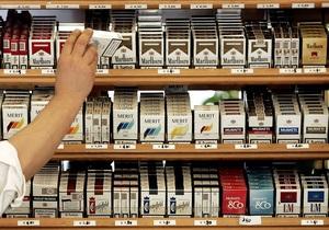 В Германии из грузовика, водитель которого уснул, вынесли сигареты на 1 млн евро