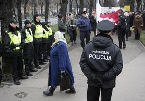 СМИ: В Латвии создают черные списки полицейских, не владеющих государственным языком