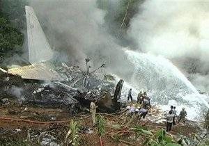 В Индии упал авиалайнер со 160 пассажирами
