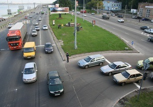 Эксперты: Каждый второй украинский водитель платил взятку при получении прав