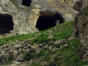 В Крыму спасли пять российских спелеологов из затопленной пещеры