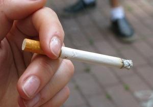 Украинские курильщики обратились к Януковичу с просьбой защитить их права