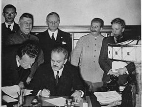 Больше половины россиян оправдали пакт Молотова-Риббентропа