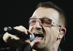 Лидер U2 перенес операцию на позвоночнике