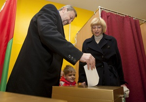 Сына арестованного оппонента Лукашенко пытались увести в детдом с детского утренника