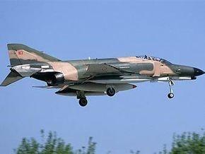 В Турции разбился военный самолет: один из пилотов погиб
