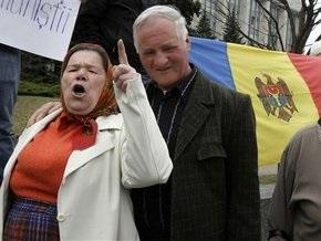 Пенсионеры вновь перекрыли главную улицу Кишинева