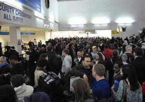 Пассажир, из-за которого в США был закрыт терминал аэропорта Ньюарка, исчез