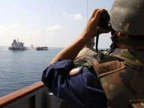 Итальянский эсминец предотвратил захват пиратами пяти торговых судов
