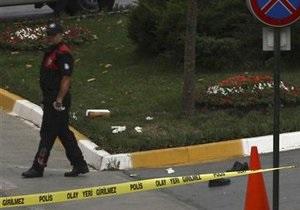 Мужчина с гранатой и пистолетом пытался ворваться в генконсульство Украины в Стамбуле
