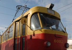 В столичном наземном транспорте установят валидаторы и турникеты