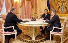 Янукович встретился с представителем бизнес-империи Ротшильдов