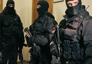 В центре Львова пятеро автоматчиков ограбили жилье адвоката