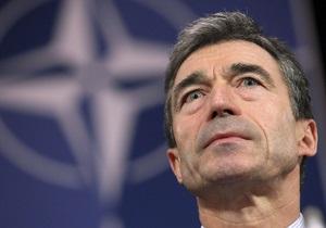 Генсек НАТО сообщил, что обеспокоен обращением с Тимошенко и вряд ли приедет на Евро-2012