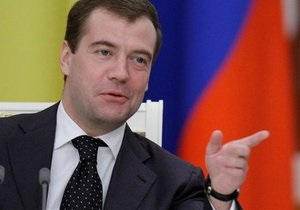 Медведев и Онищенко призвали водителей не употреблять алкоголь