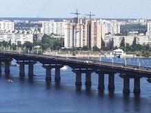 По просьбе ГАИ освятили мост Патона