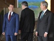 Буш назвал Медведева толковым парнем и не собирается лезть ему в душу