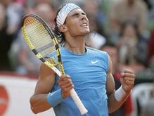 Надаль побеждает Федерера в Гамбурге