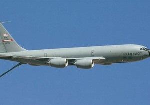 Крыло взорвавшегося в Кыргызстане самолета ВВС США упало во двор жилого дома - СМИ
