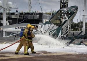 В Окленде упал вертолет, устанавливавший рождественскую елку