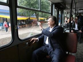Янукович везет свое правительство в Черкассы