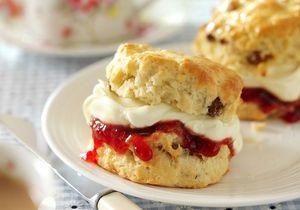 Новости Великобритании - английская кухня: Британский профессор разработала формулу идеальной булочки с кремом и джемом