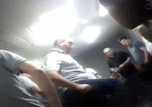 Шокирующие кадры издевательств над заключенными в грузинской тюрьме