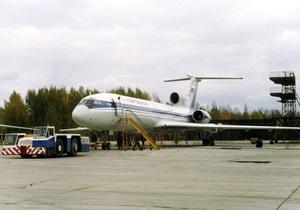 Пассажиры Ту-154, экстренно приземлившегося в Коми, отказываются снова садиться в самолет