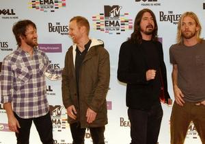 Новый альбом Foo Fighters возглавил американский хит-парад