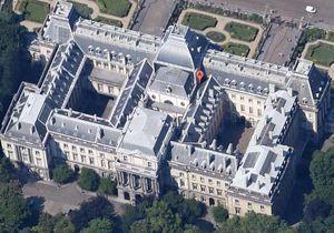 Бельгийский монарх намерен судиться с Google, возмутившись фото шезлонгов