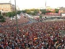 Мадрид отметил победу на Евро-2008 беспорядками