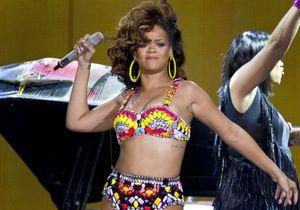 Певица Рианна установила абсолютный рекорд по продажам в цифровом формате